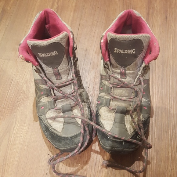 bd8adf69dbc Spalding hiking shoes /boots water resistant